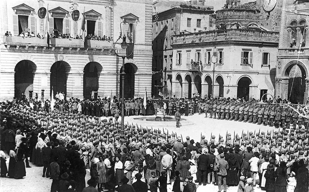 Giuramento-truppe-marzo-1915