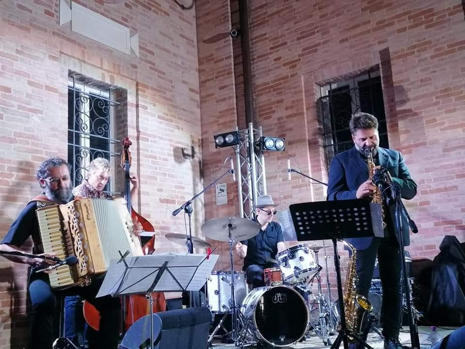 Simone Zanchini Quartet